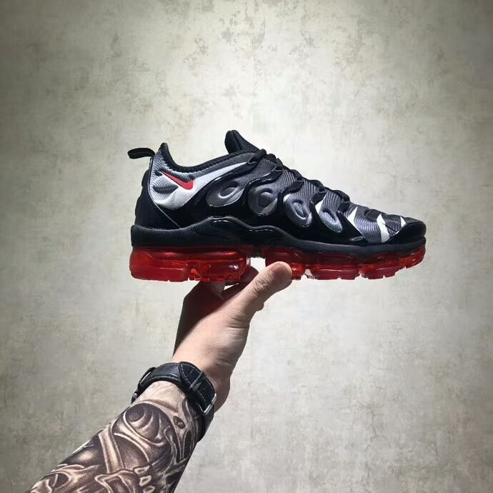 85de27ad23 2019 的 Nike air vapormax plus 1 主题 | Fashion Sneakers | Nike ...