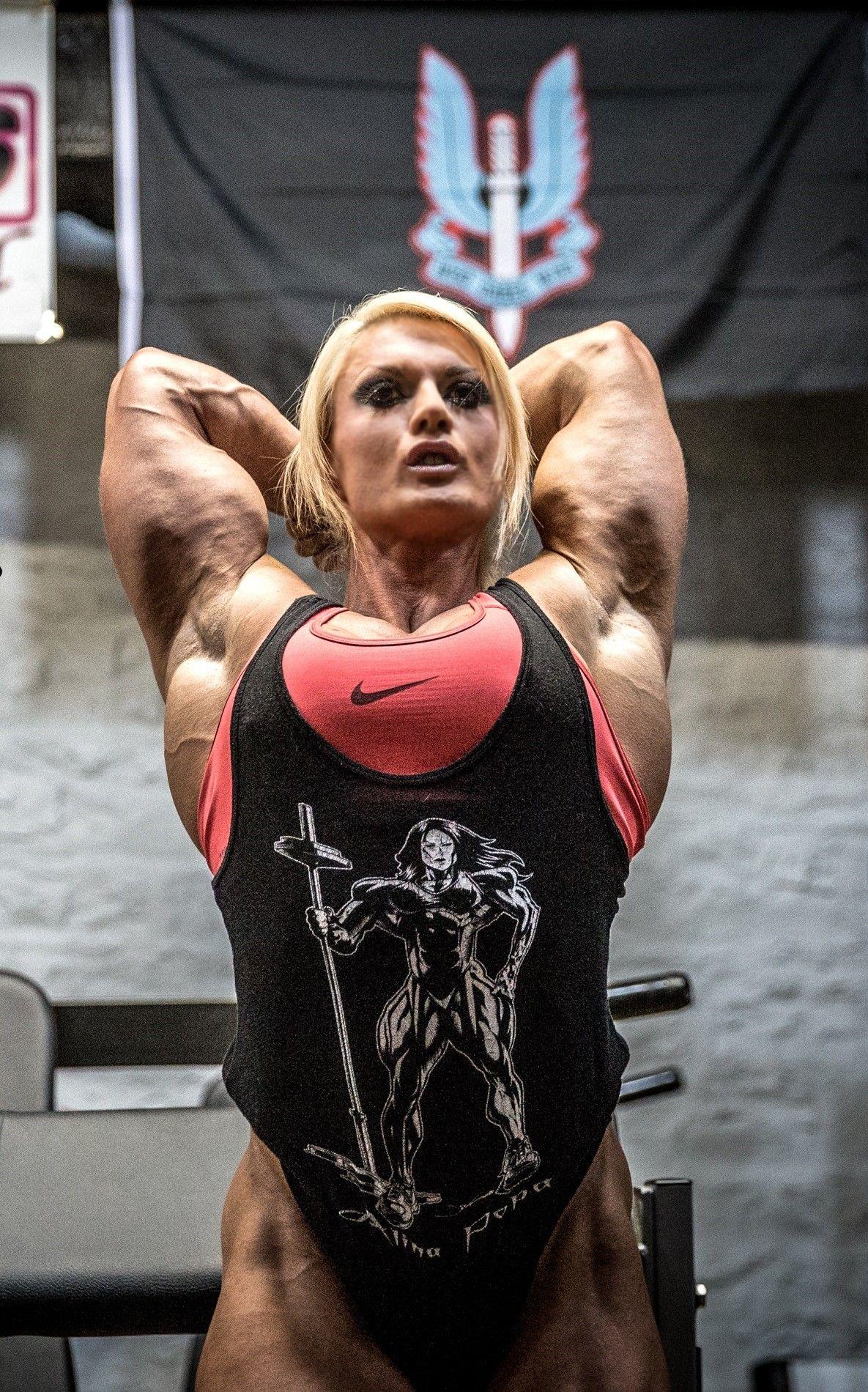 Femalemuscleandstuff lisa cross gym muscle girls - Lisa cross fbb ...
