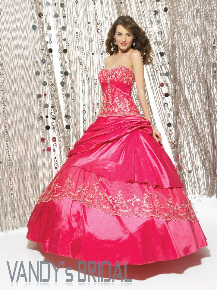 worst prom dresses ever  extravagant dresses in gown prom