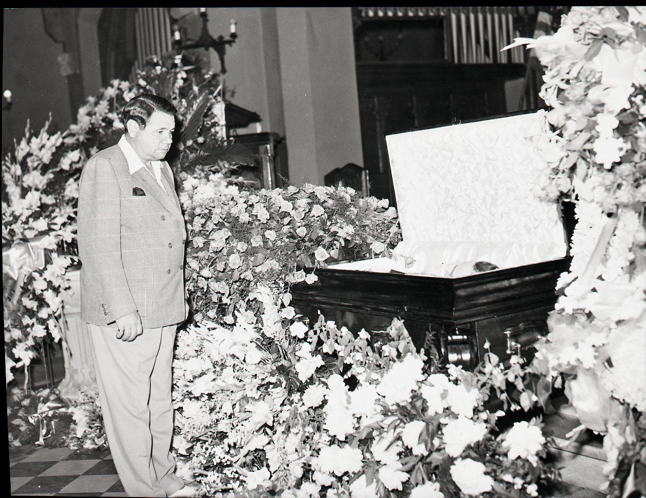 Babe Ruth Pays His Respects At Lou Gehrigs Funeral  Lou -7431