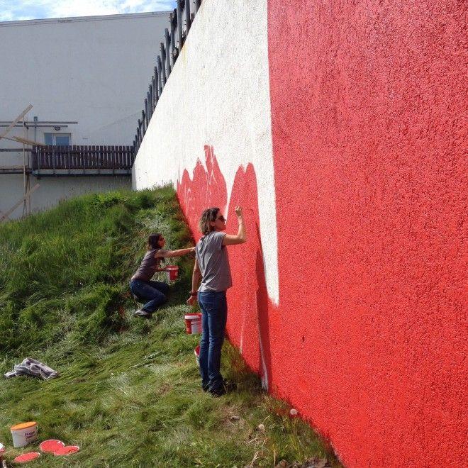 Entre muitos trabalhos voluntários durante a viagem Gabi se aventura como pintora na cidade de Borgarnes, ao norte de Reykjavik. Arquivo pessoal