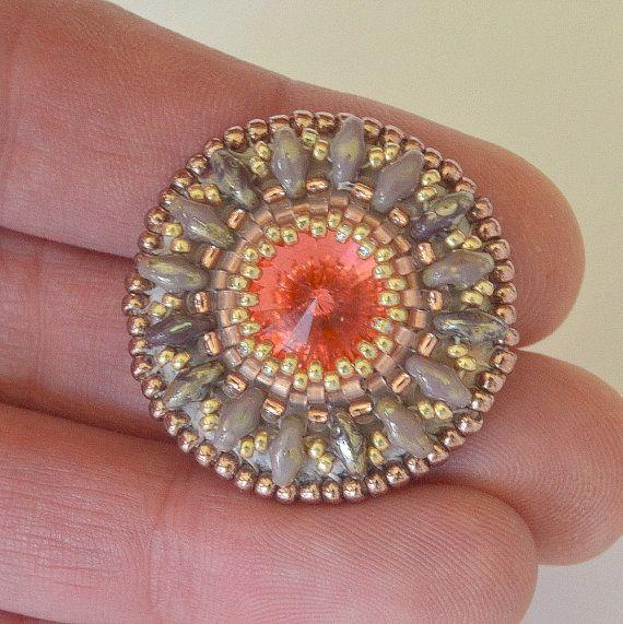Spilla Swarovski corallo perline spilla UK di WishWantDesire