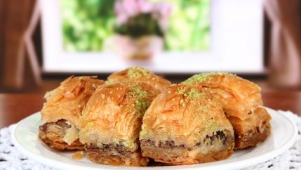 طريقة عمل حلى بقلاوة مصرية حلى مصري بالصور أطيب طبخة Foreign Food International Recipes Food