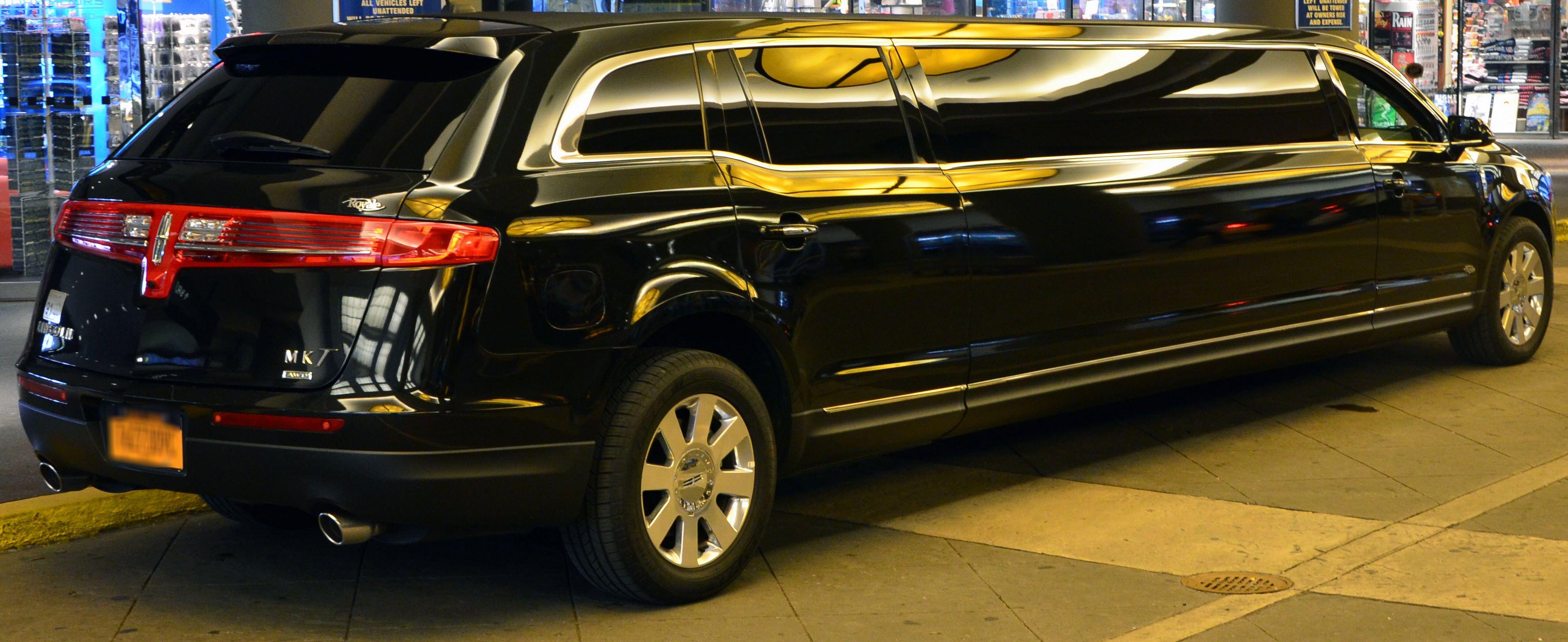 Limo Limos Limousine Car Service Limo Service Nj Http Www Daisylimo Com Limo Service Html Daisy Limo Nj Limousine Limo Transportation Services