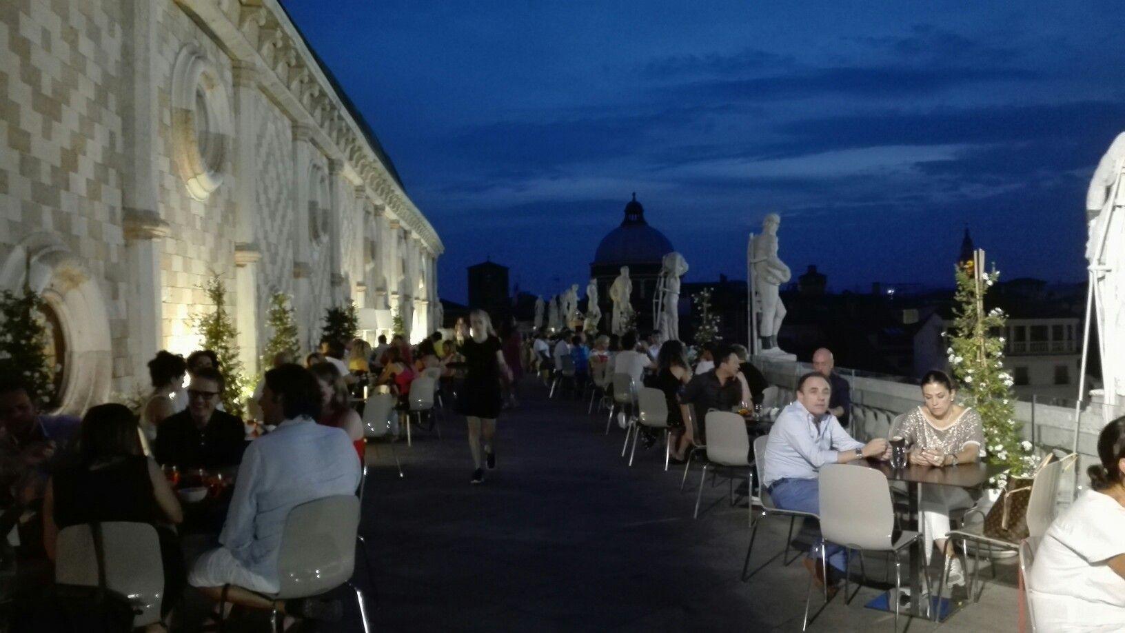 Vicenza, terrazza della Basilica Palladiana | vicenza | Pinterest