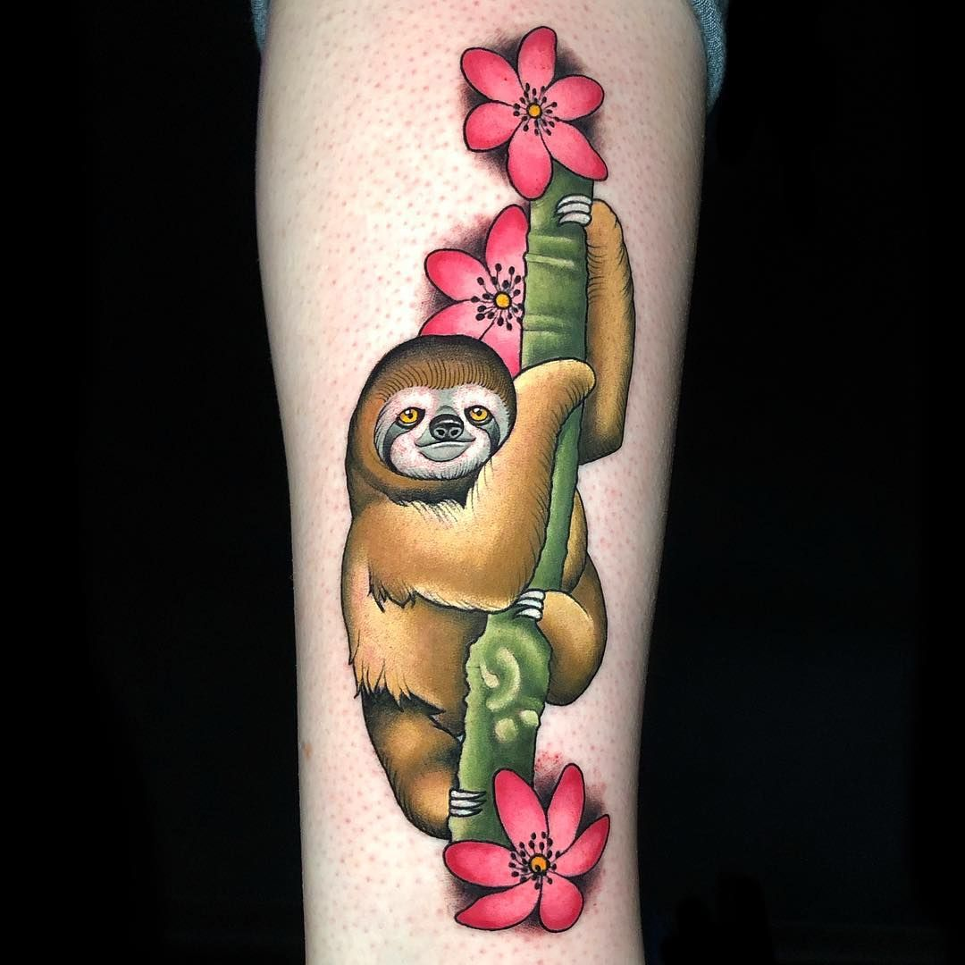 Who doesn't love a lil baby sloth?! Done @larktattoo #heatherhellion #tattoodo #rinsecup #balmtattoo #truetubes #inkedmag #inkedmagazine… #babysloth