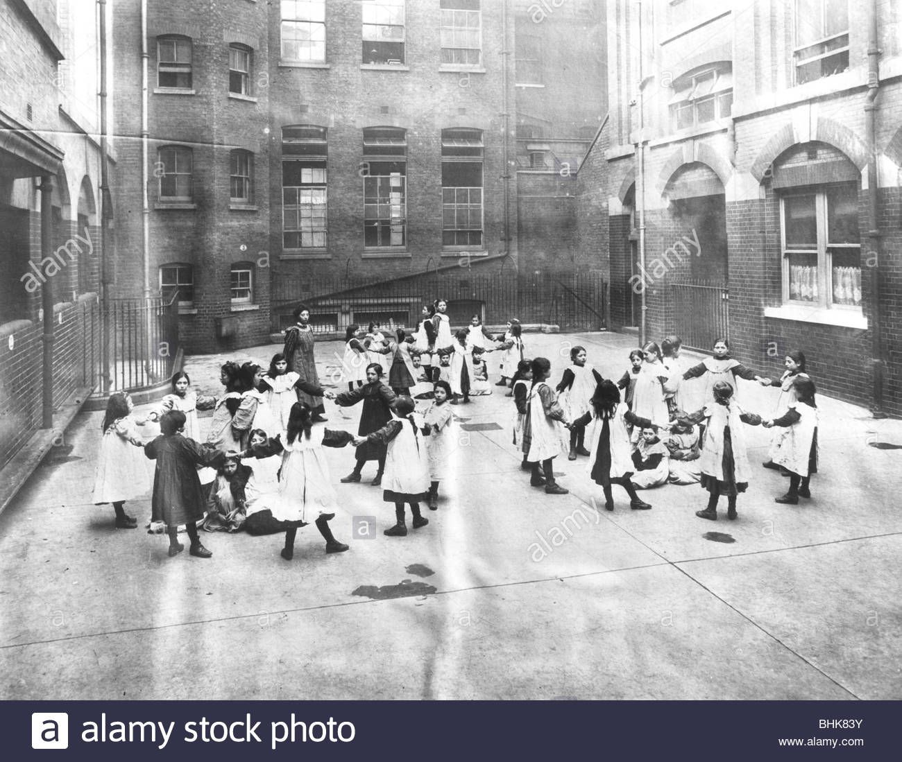 Download this stock image: Girls at the Jewish Free School