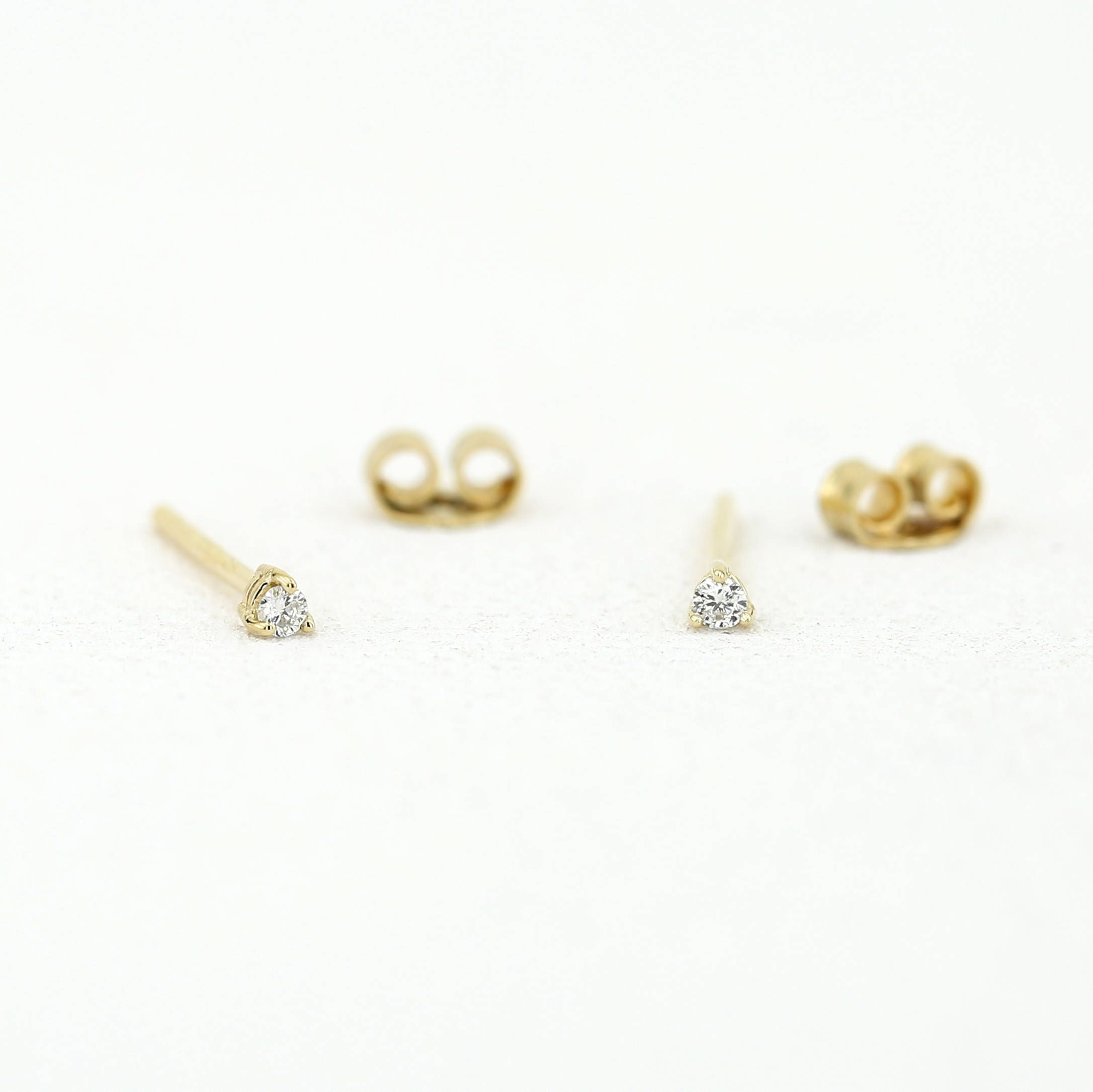 round studs home jewelry prong stud stock photography diamond