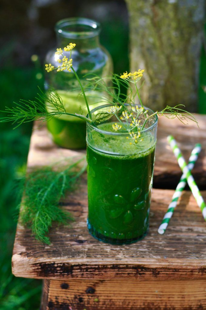 Jus vert « détox » au fenouil, citron et feuilles d