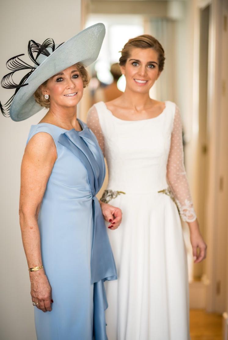 El elegante vestido de novia de Clara con cuerpo de plumeti #preguntassevilla