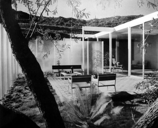 Pierre Koenig s Case Study House     comes up for sale in the     The Case Study House         House B