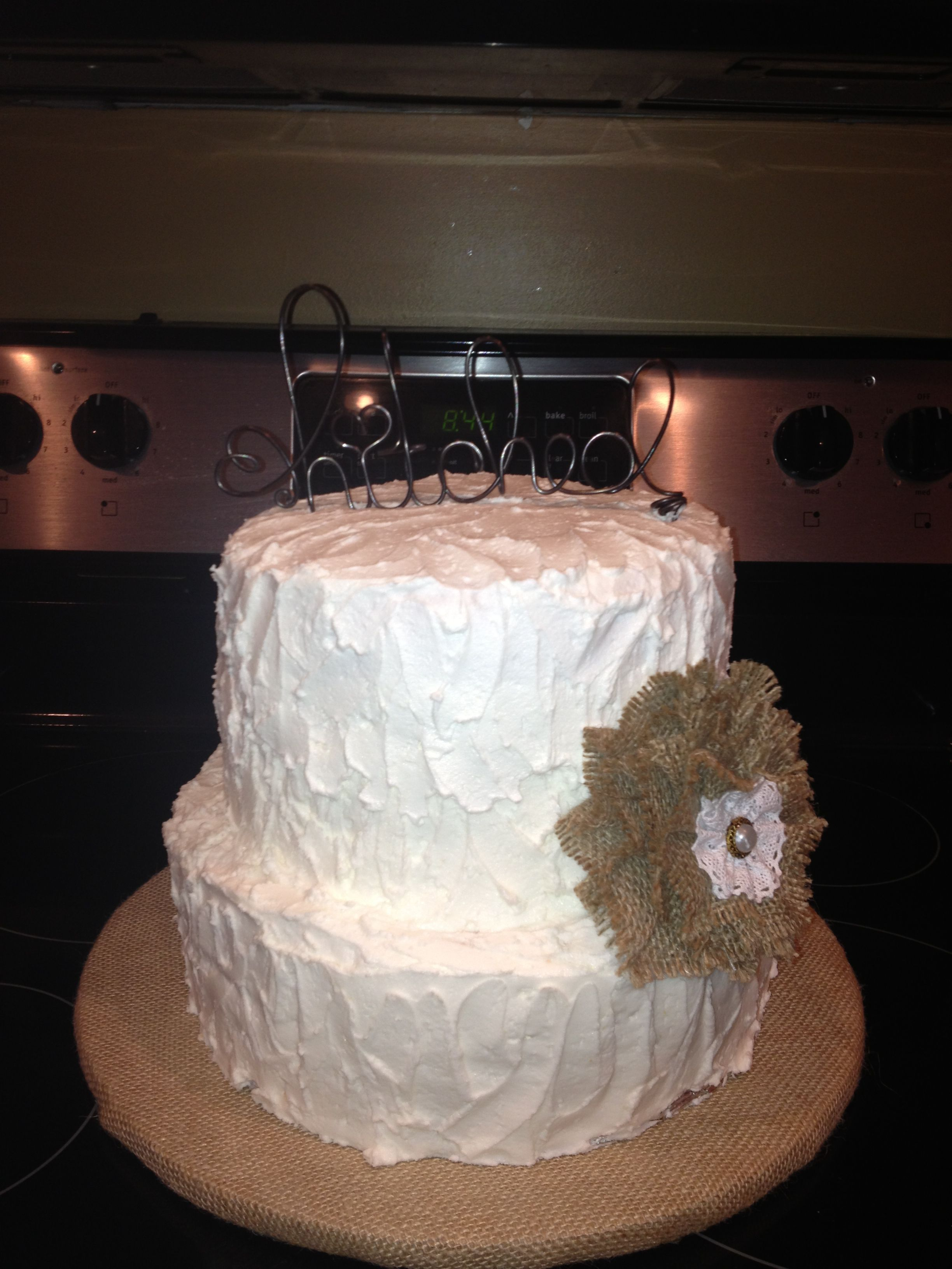 Burlap wedding cake! | Burlap wedding cake, Burlap wedding