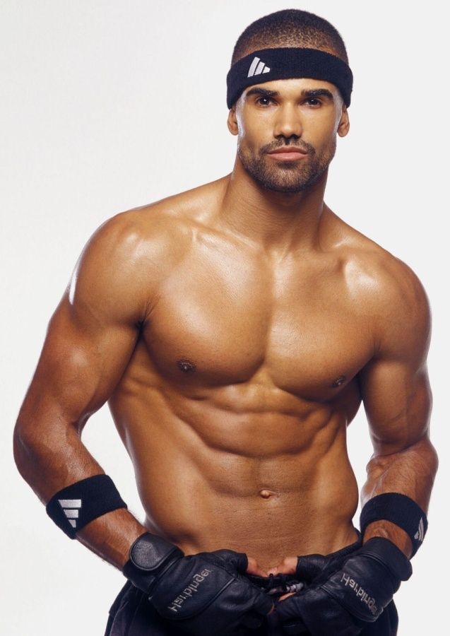 Shemar Moore- Just saw this guy on Ellen and not only is he a good dancer & actor...he's very nice eye candy! =)