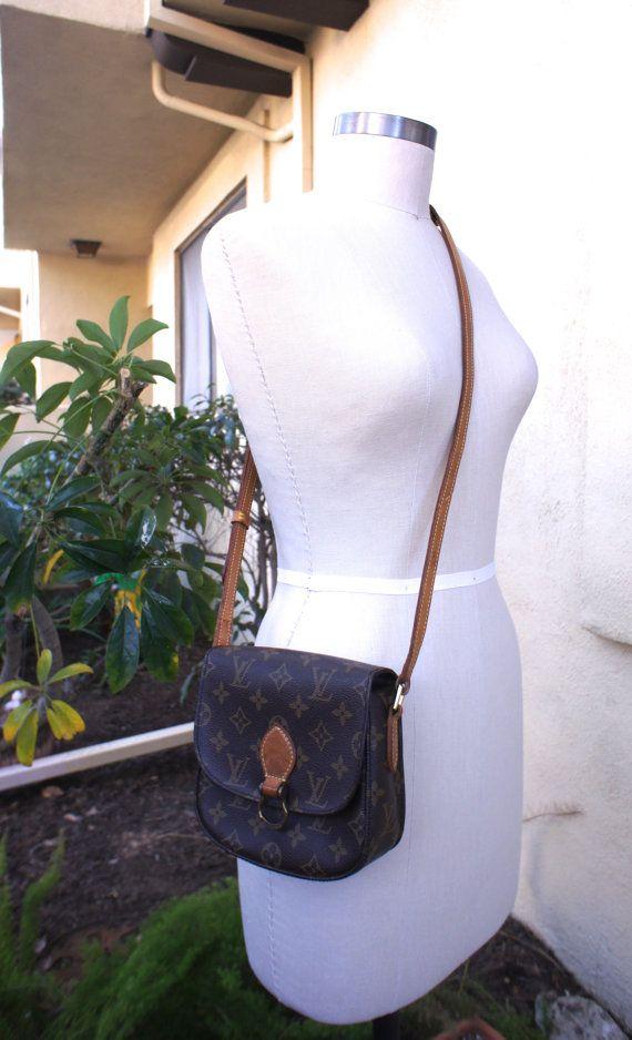 8b912a4828aa Small Sized Vintage Louis Vuitton Saint Cloud Purse