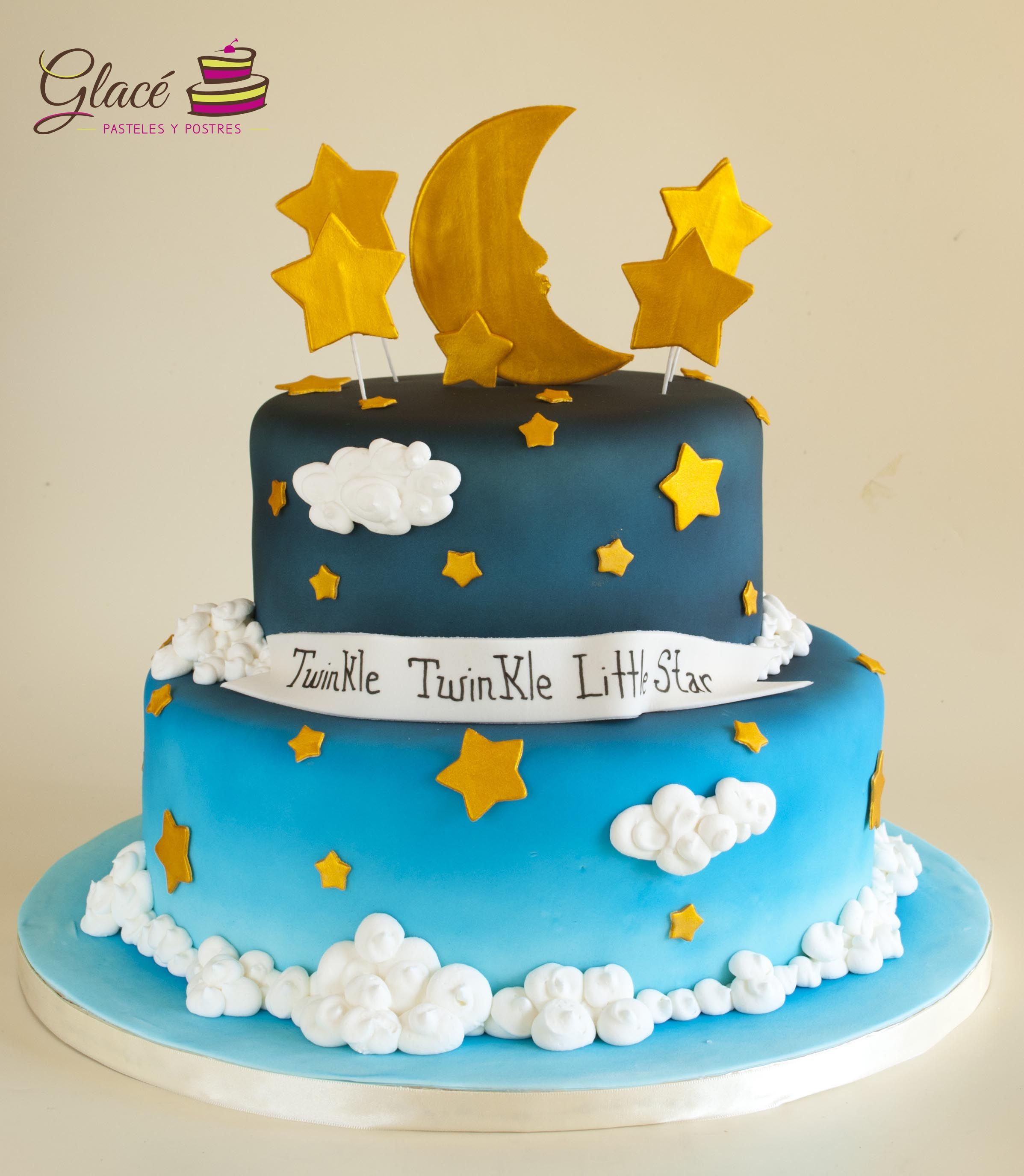 Twinkle twinkle little star Decorado con fondant y decoraciones de azúcar.