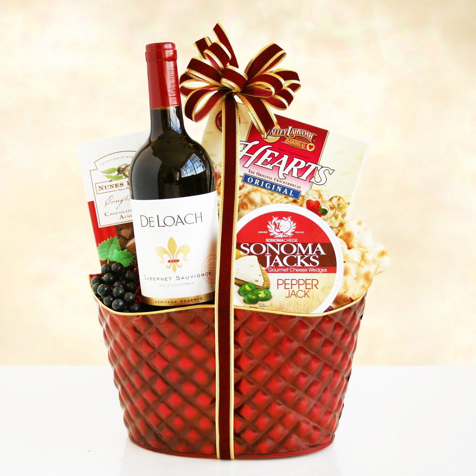 California Cheers To The Holidays Gift Basket Www Giftbaskets Com Red Wine Gifts Wine Gifts Holiday Gift Baskets