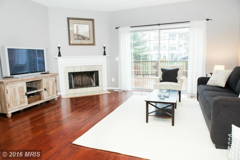 Washington Coffee Table By Breakwater Bay.Transitional Living Room With Willow 64 Tv Stand By August Grove