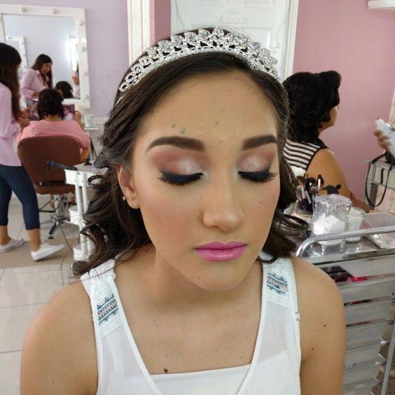 quinceañera makeup, makeup of quinceanera at night, makeup for xv
