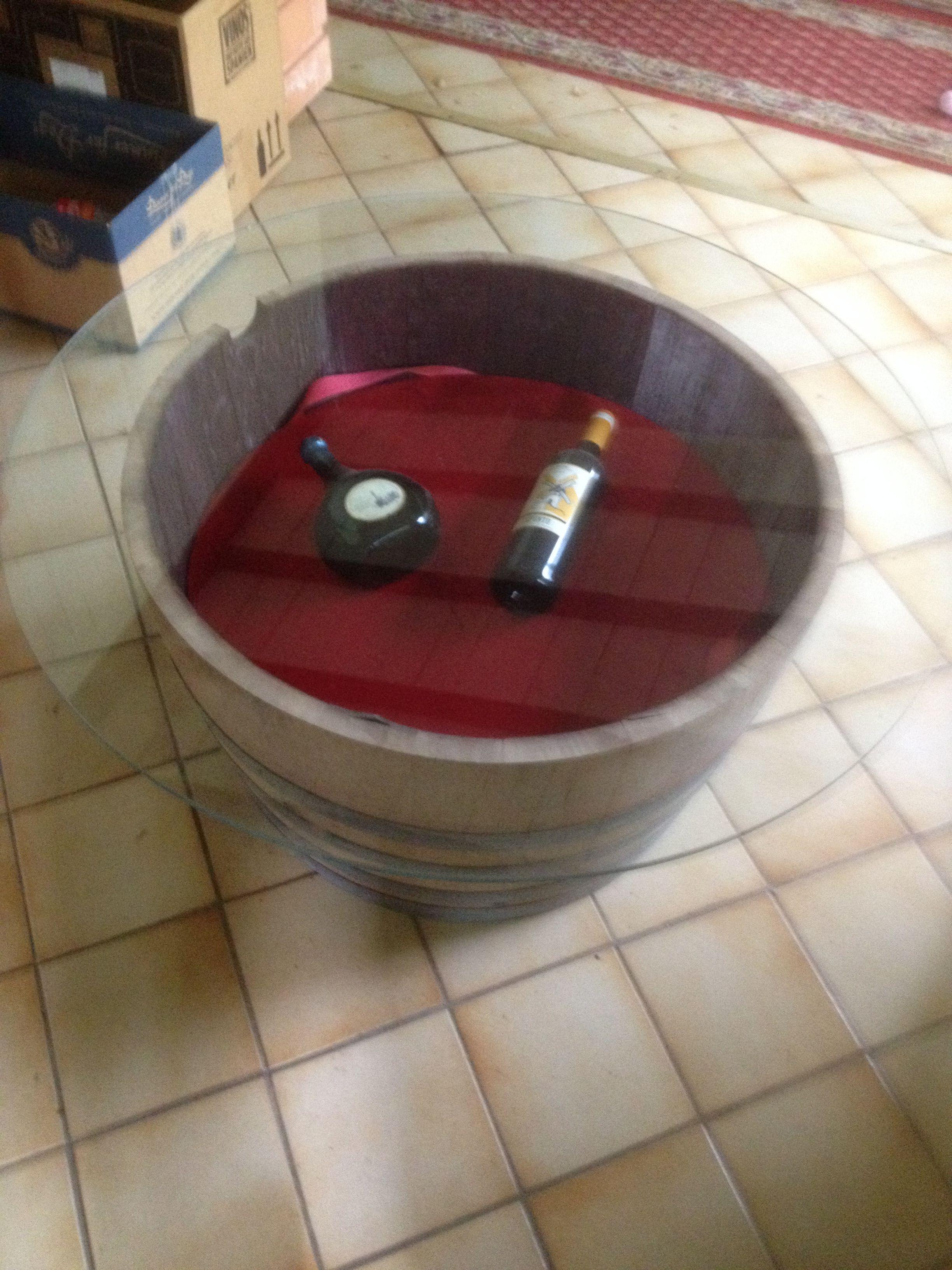 Wine Barrel Furniture Tisch Aus Halben Weinfass, Halbes Weinfass Mit