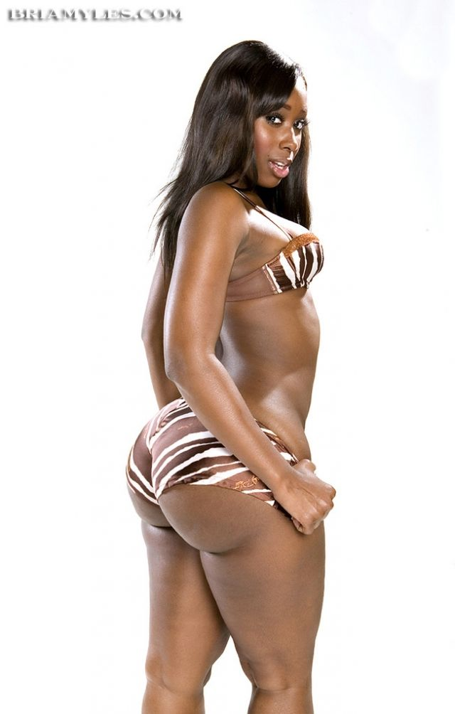 Bria Myles Tits Bria Myles Showing Off Her Ass Ebony Women Sexy Curves