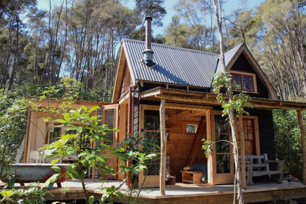 12 Of New Zealand S Quirkiest Airbnb S Tiny Cottage Tiny House Swoon Tiny Log Cabins