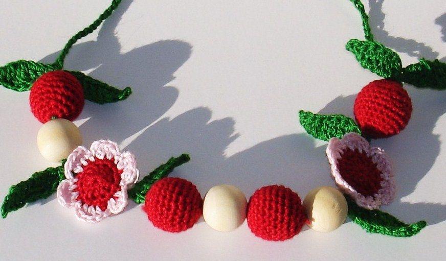 Hand crochet   Spring flower cherry Nursing Necklace Breastfeeding Babywearing  teething necklace. bara krúttlegt