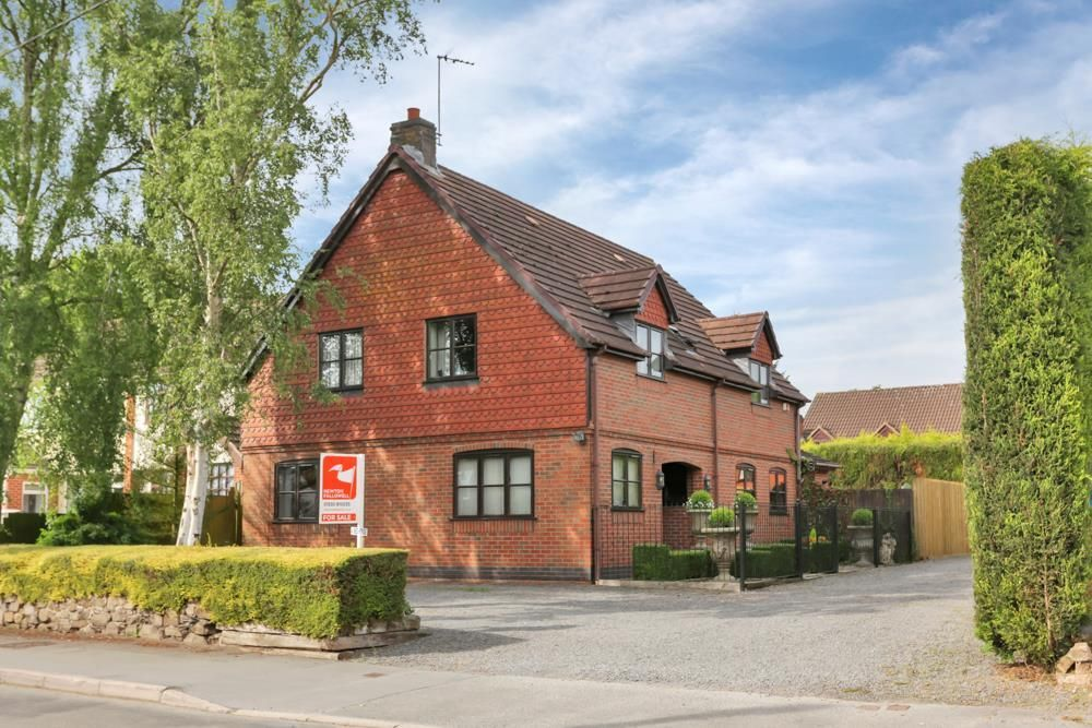 4 bedroom detached house for sale Main Street, Thornton