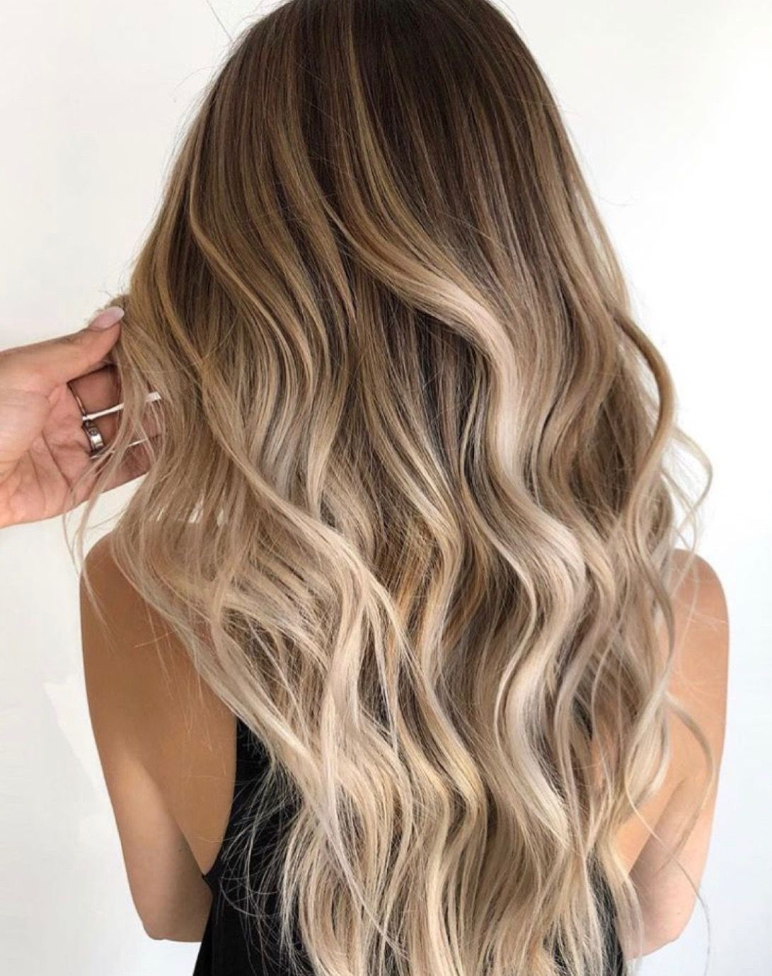 A Blonde Balayage For The Ages Neutral Light Brown Root Shade