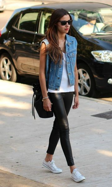 Look: Jeans + Couro