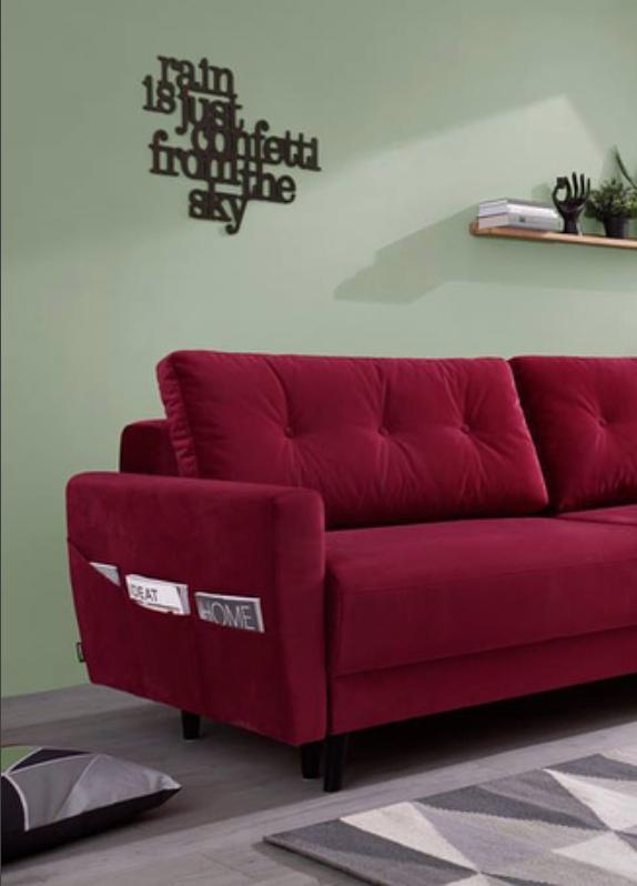 canapé droit convertible coffre velours rouge scandi bobochic paris salon  coloré mur de couleur vert parquet 05c5a38edeb4