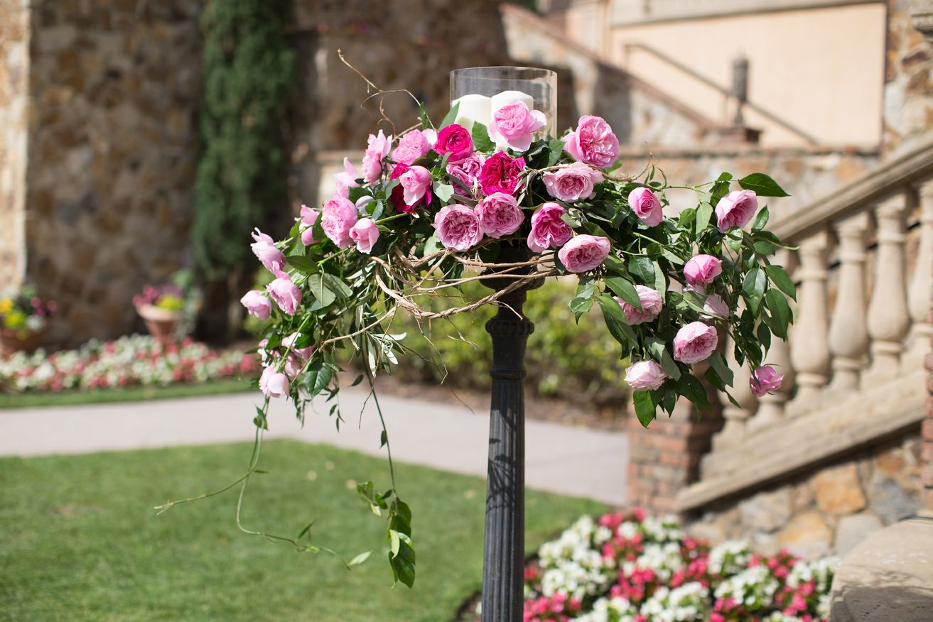 Continue your #daytimewedding ceremony into an elegant evening reception with antique candle posts or holders, each one adorned with #weddingroses such as #DavidAustinRoses Carey and Miranda. Ask your floral designer to incorporate them into your theme.