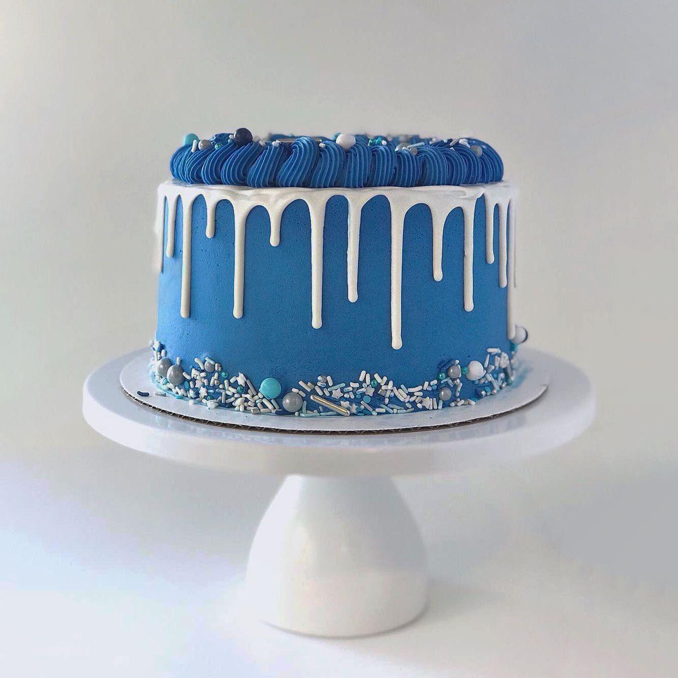 Winter Wonderland Drip Cake with Blue Buttercream | Blue birthday cakes,  Drip cakes, Cake
