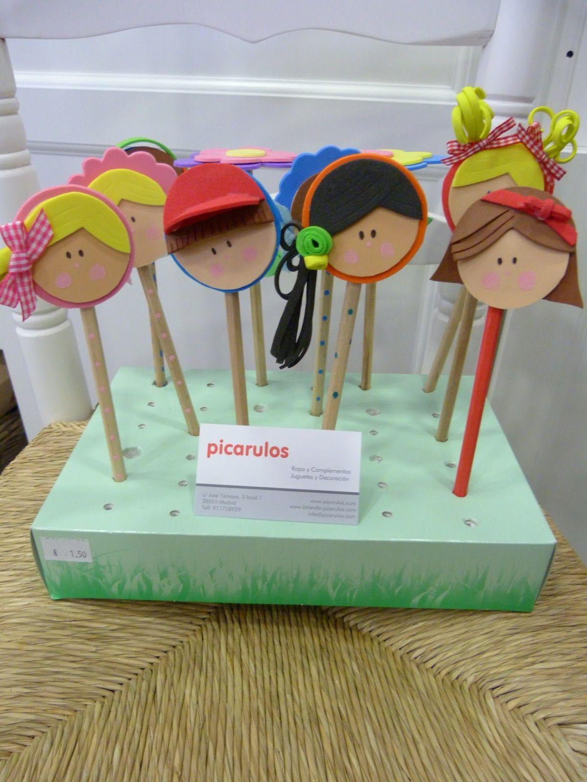 Lapiceros personalizados hechos artesanalmente uno a uno   realizados en Goma-eva con apliques decorativos   Se venden individualmente ...