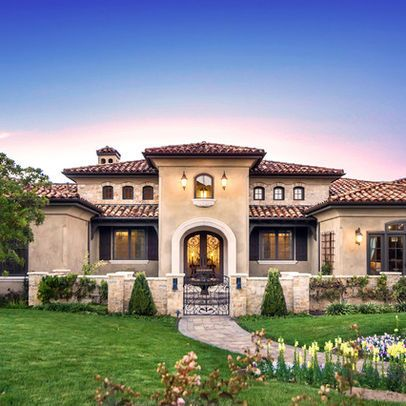 Mediterranean Entry Design Ideas Pictures Remodel And Decor Mediterranean House Designs Mediterranean Style Homes Tuscan House