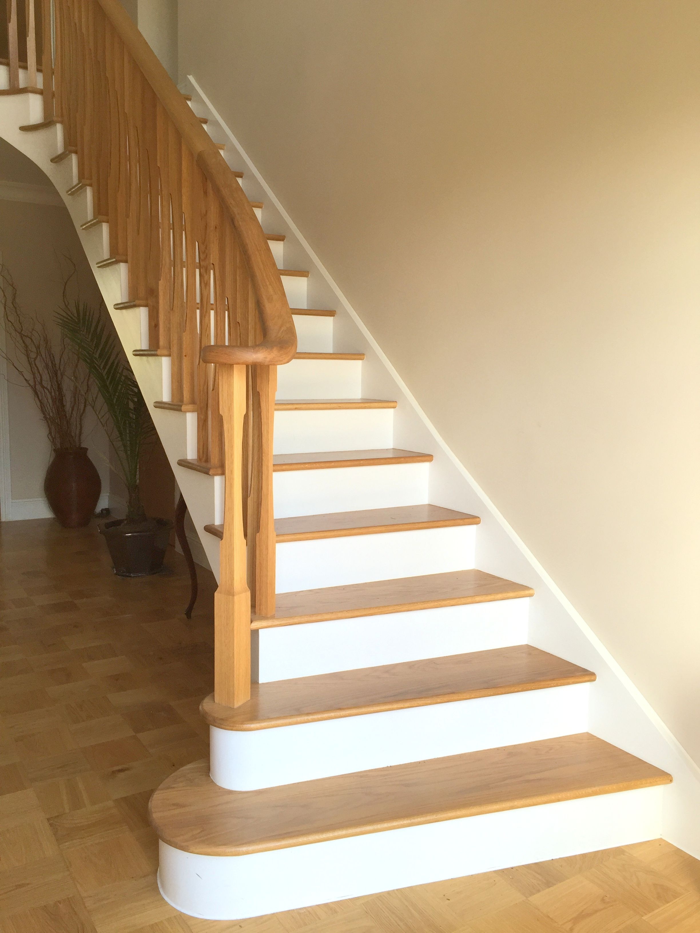 Best Oak Treads And Painted Risers With Traditional Oak 400 x 300