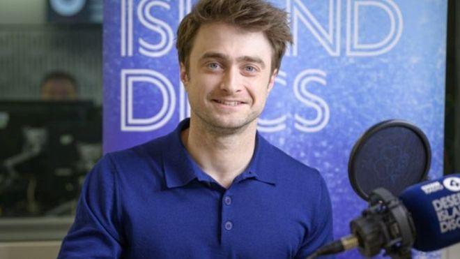 كيف استطاع هاري بوتر التعامل مع مغريات الشهرة في الصغر Bbc News عربي Daniel Radcliffe Harry Potter The Woman In Black