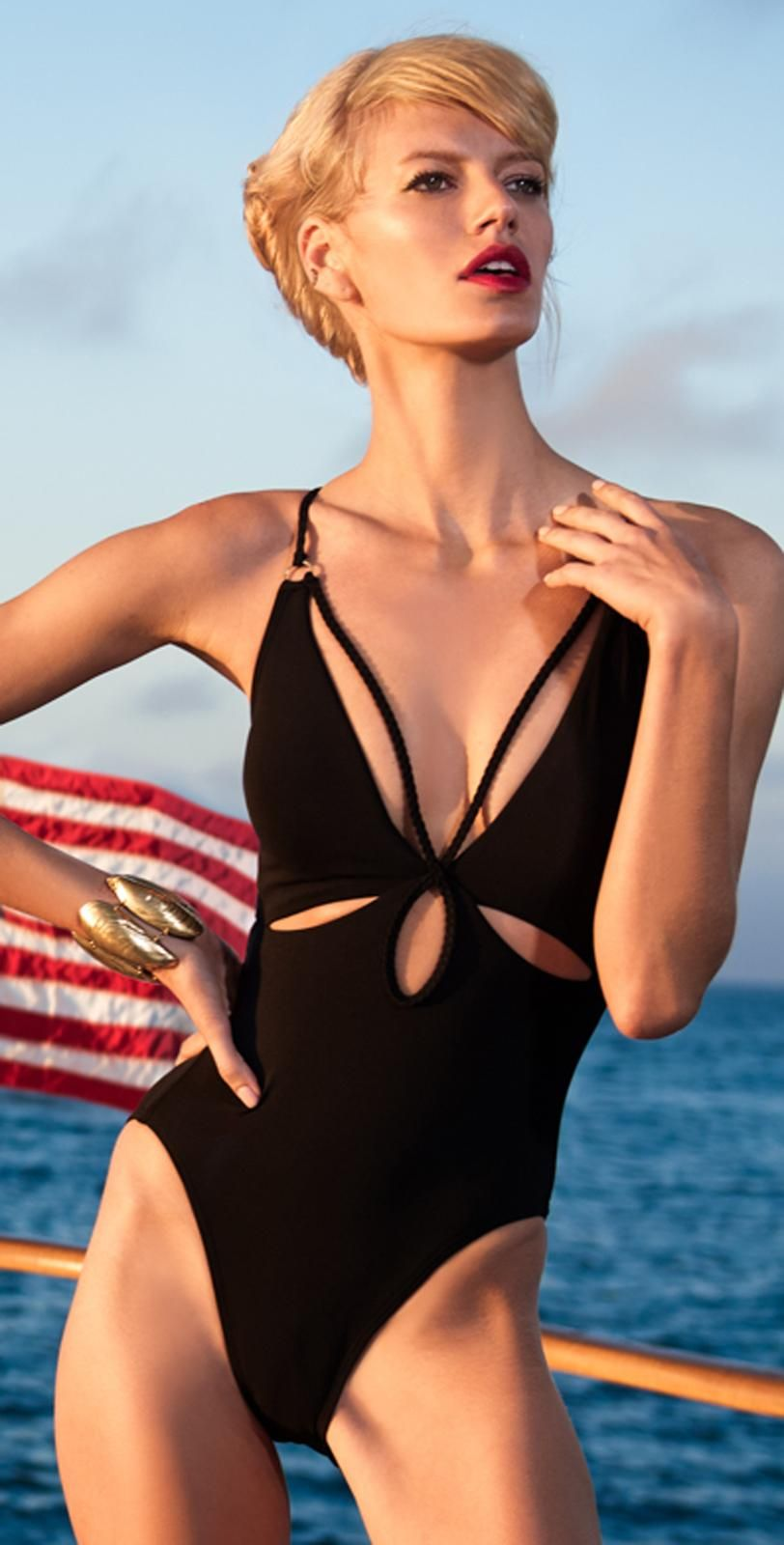 Robin Piccone Ava Black One Piece Cut Out | Calzonetas ...