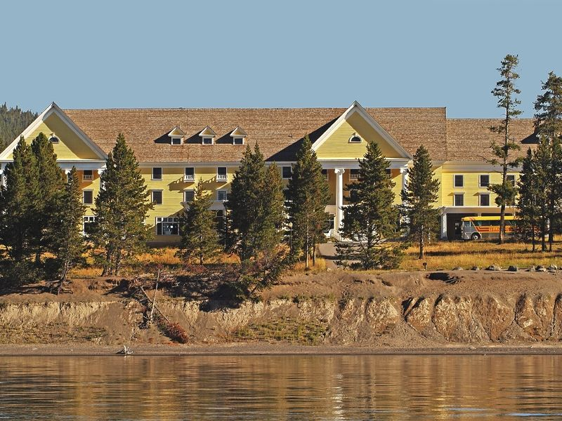 Book Your Stay In Yellowstone National Park Today Lake Hotel Cabins Features A Variety Of Guest Suites Rooms And