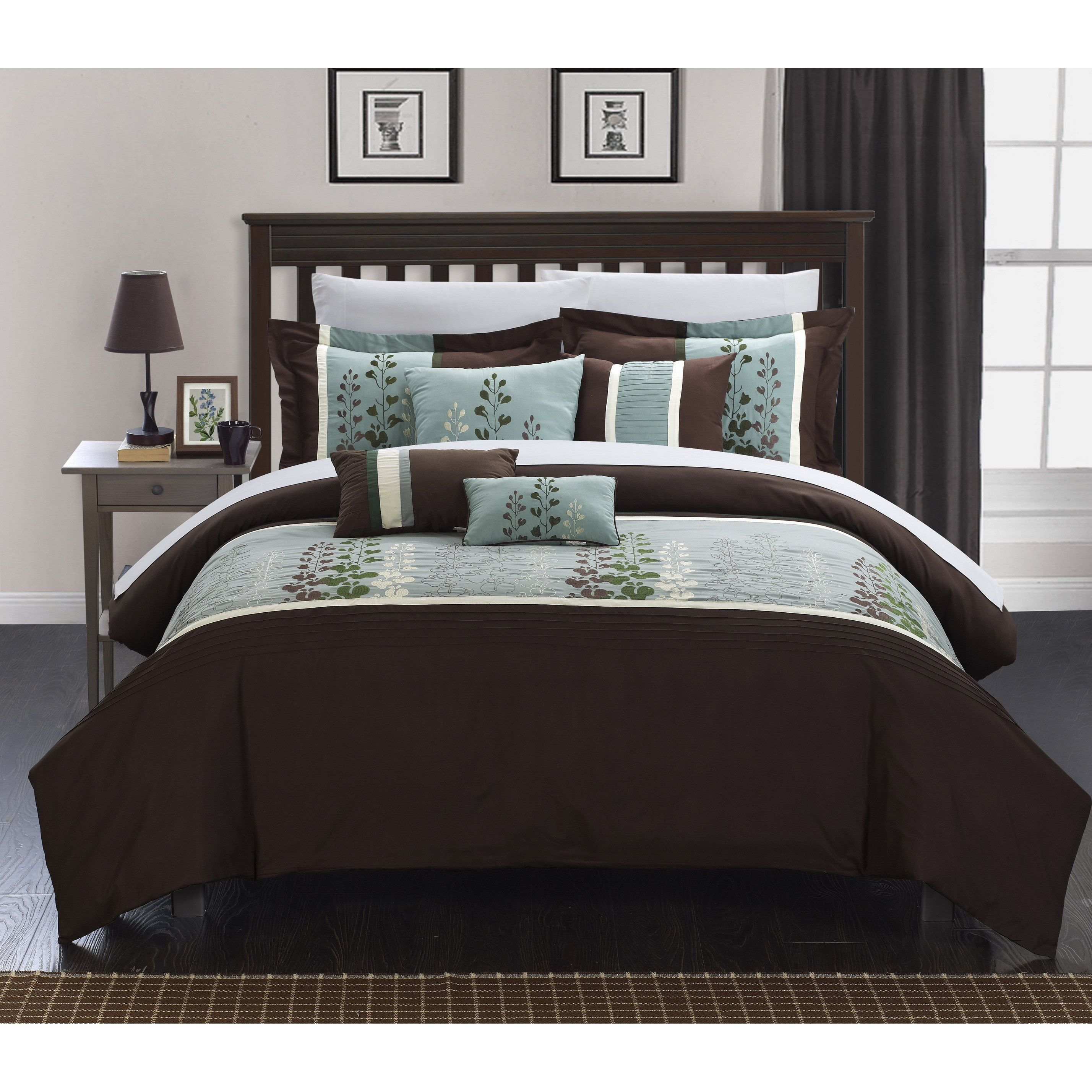Dress your room with this Evania forter set Brown beige and