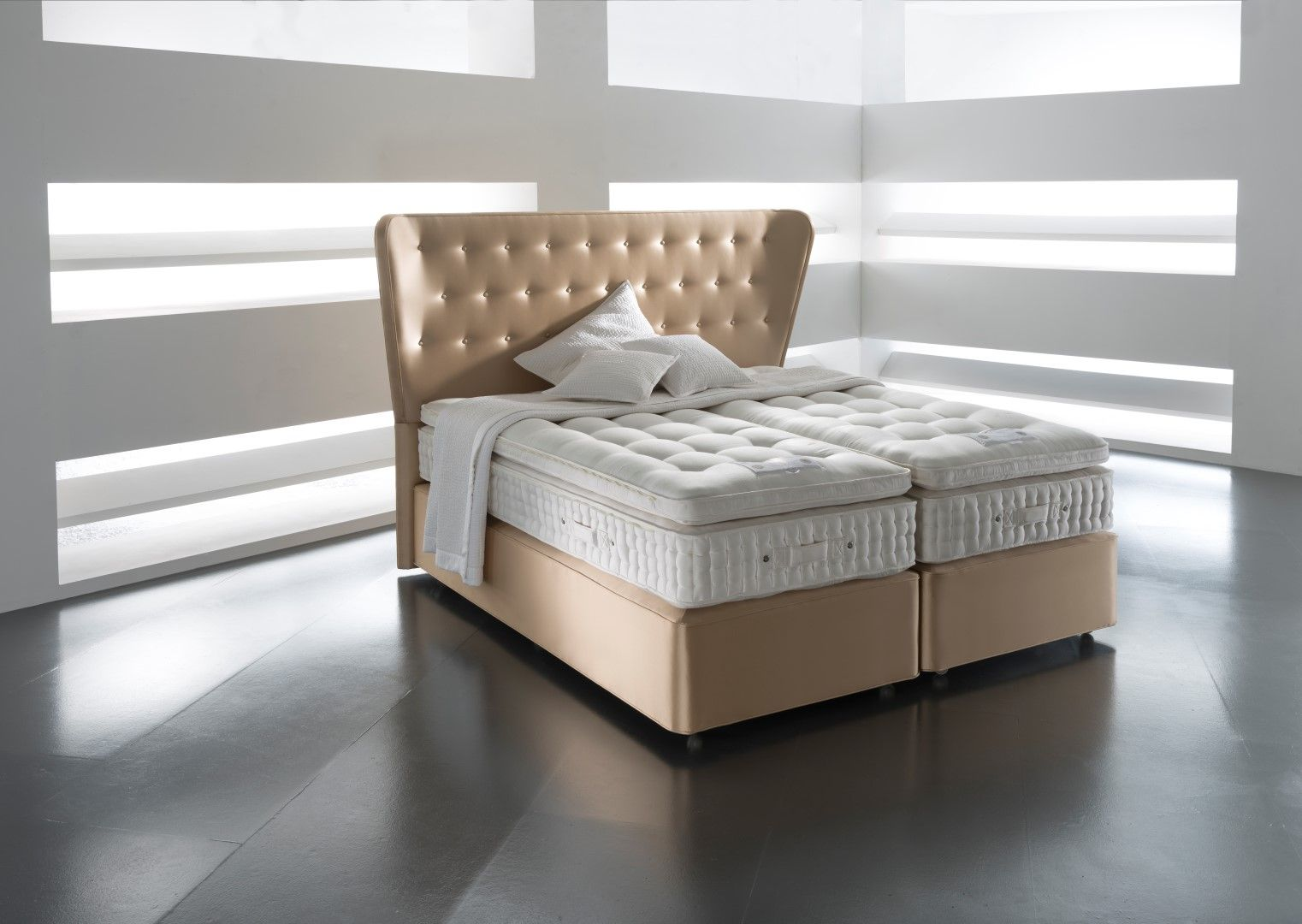 Luxurioses Bett Hastens Tradition Und Innovation Beautiful ...