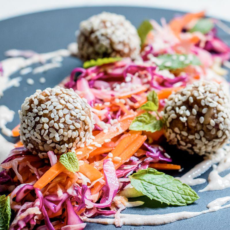 Raw no dehydrator falafel salad vegan pinterest falafel salad raw no dehydrator falafel salad forumfinder Choice Image