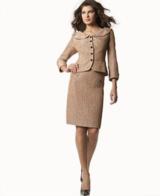 Beautiful and very feminine business suit. Click through for some ...