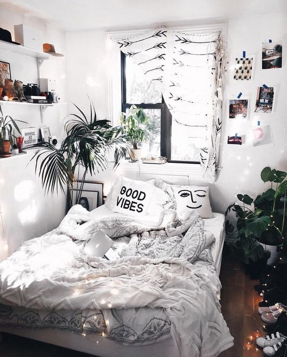 Cozy Teenage Bedroom Design Aesthetic Bedroom Background Trendecors Grunge is a darker, edgier style these days that is usually depicted with glitches, vinyl records, cigarettes, neon lights, and the color black (which has absolutely nothing to do with the original grunge). cozy teenage bedroom design aesthetic