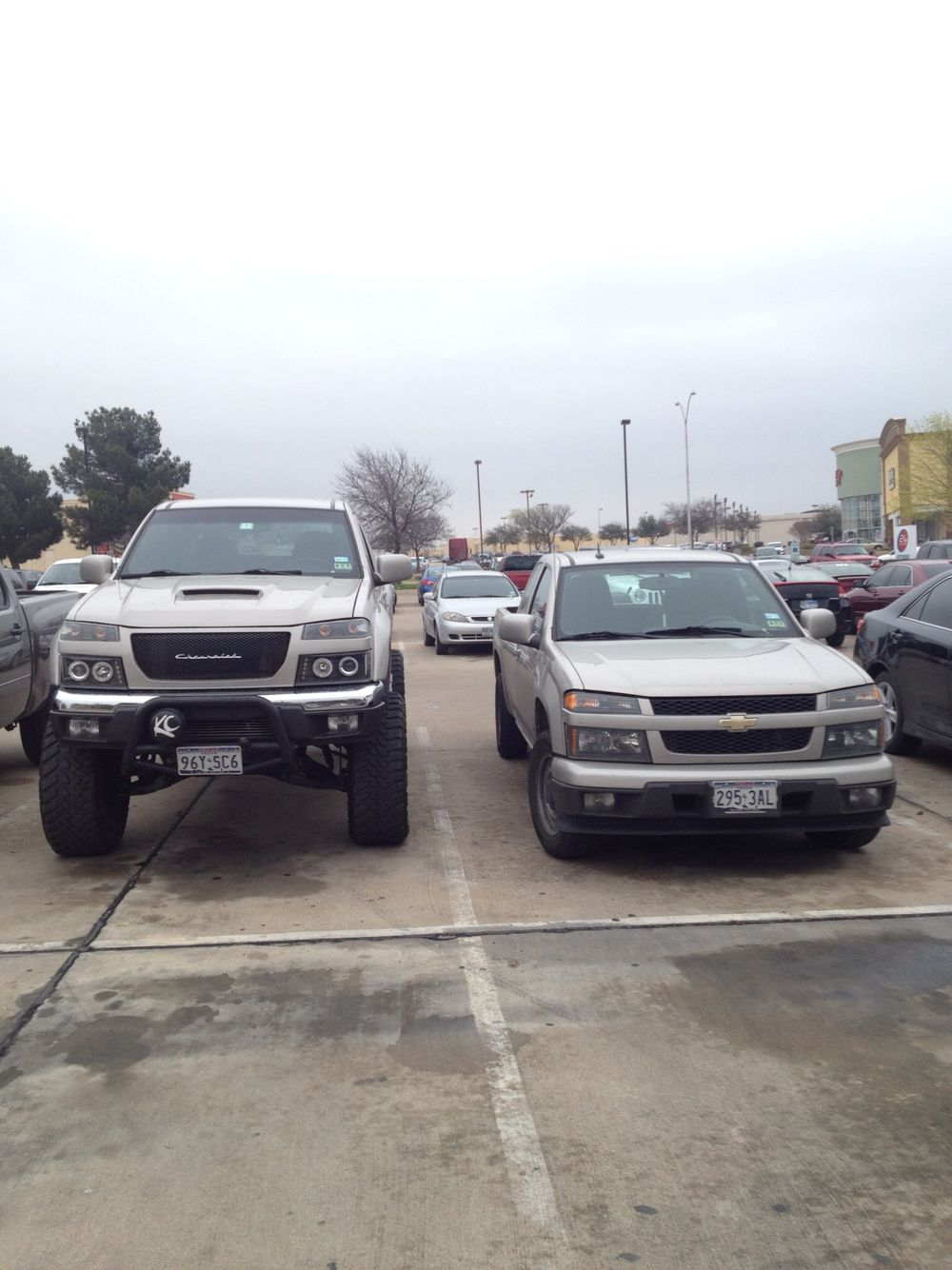 Front View Next To A Stock Height Colorado Chevy Colorado Chevy