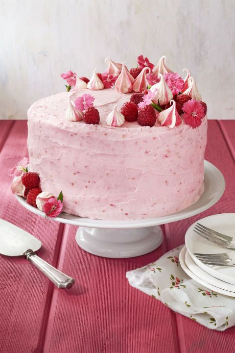 Raspberry Pink Velvet Cake Decorated With Fresh Raspberries Meringue Cookies And Edible Flowers This Would Be A Fun Cheerful
