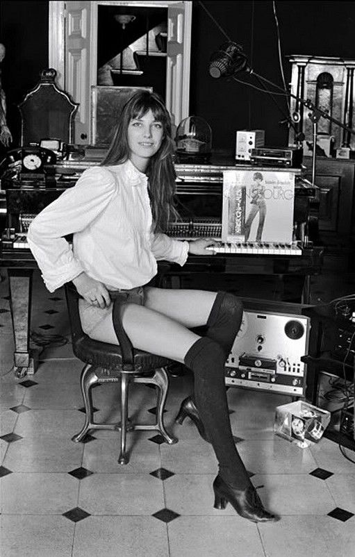 Chicas y discos de vinilo / Girls and vinyl records usada