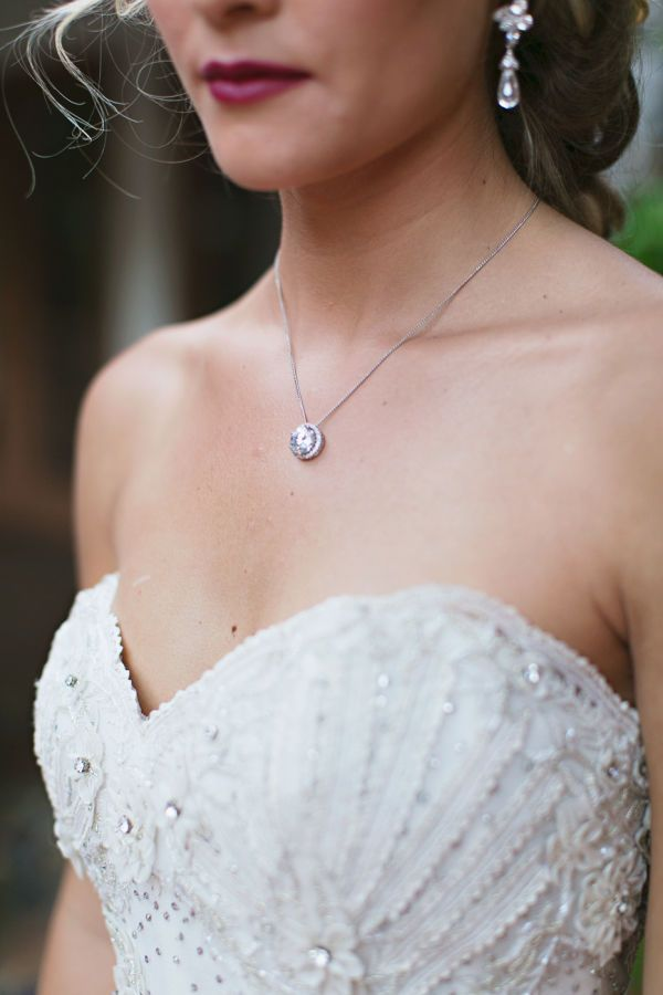 Glamour Can Come In Dainty Packages Too This Clic Diamond Necklace Complements A Sweetheart Neckline Wedding Dress Nicely