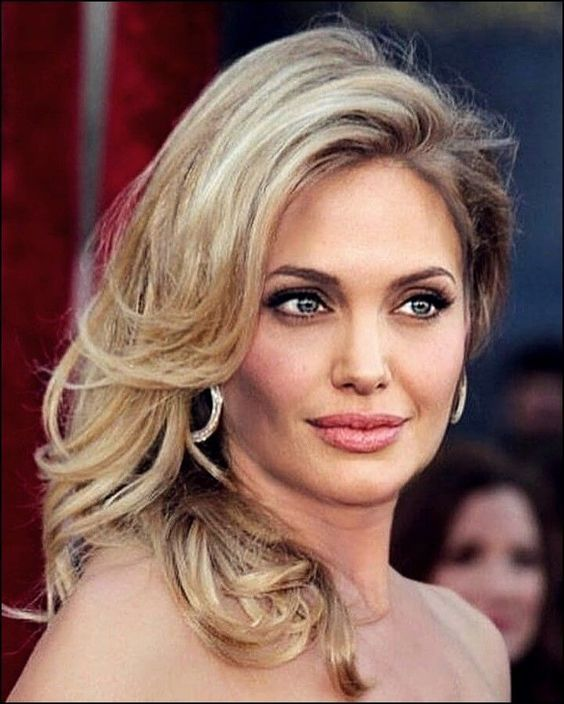 25 Interesting and beautiful hairstyles by Angelina Jolie | Trend bob hairstyles 2019 -  25 Interesting and beautiful hairstyles by Angelina Jolie | Trend bob hairstyles 2019 #hair #haircu - #Angelina #AngelinaJolie #Beautiful #BeautifulCelebrities #bob #hairstyles #Interesting #Jolie #KateMiddleton #Trend