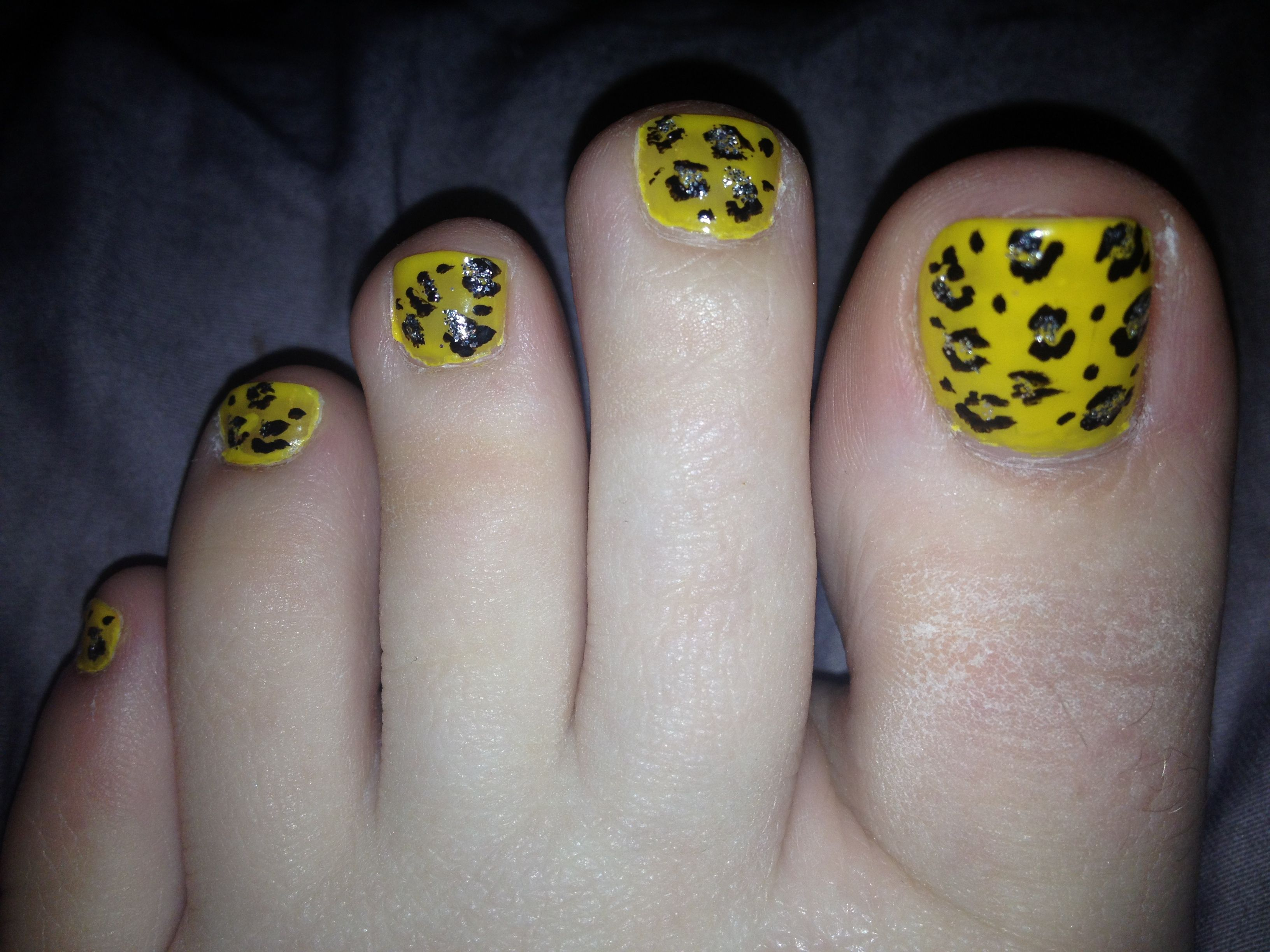 Cheetah print for the nails! Hawkeye colors :) | My Style | Pinterest