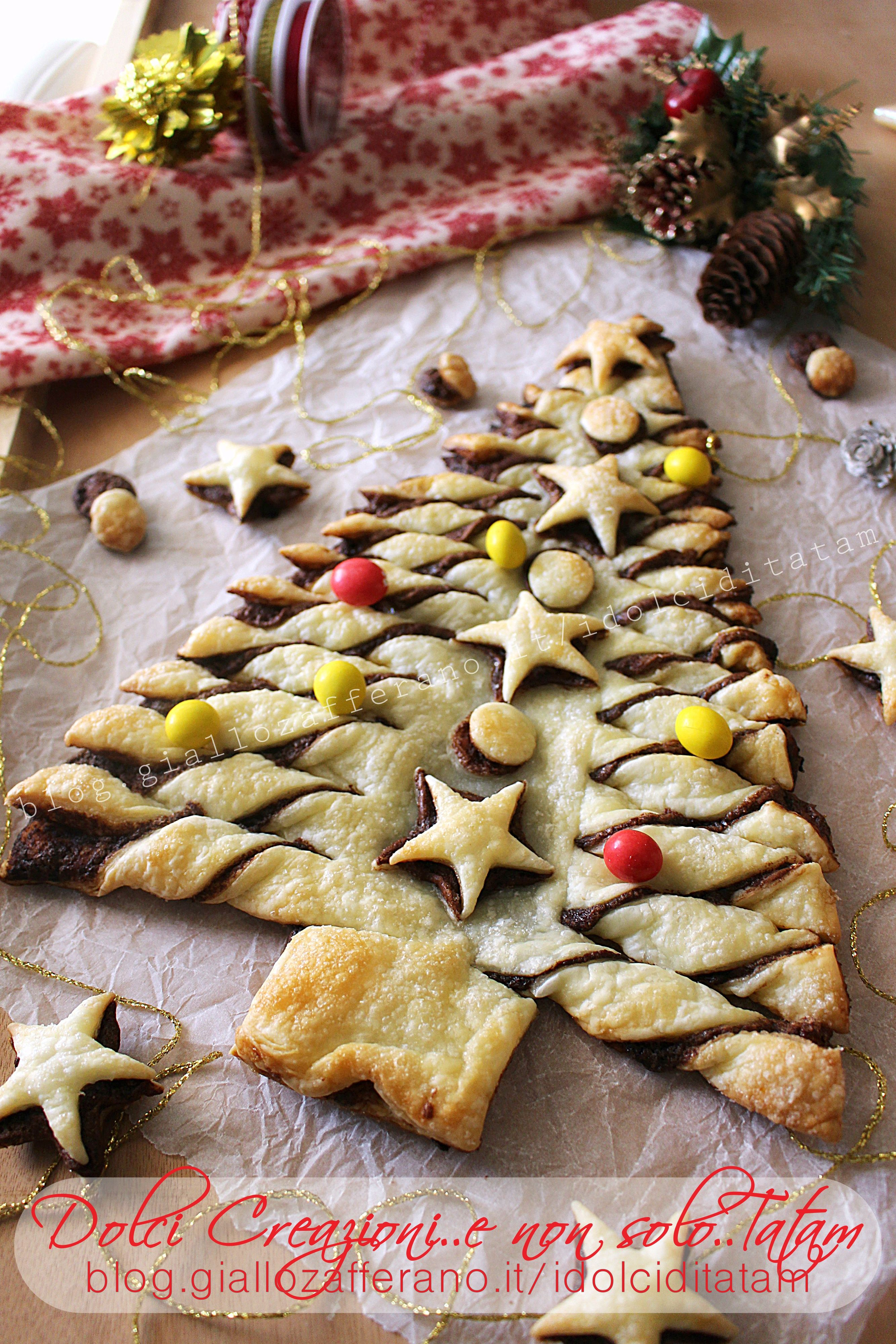 Dolci Natalizi Con Nutella.Christmas Tree Of Puff Pastry And Nutella Holidays